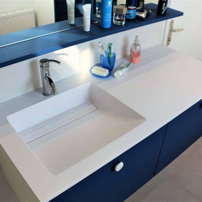 Esprit marin pour une nouvelle salle de bain